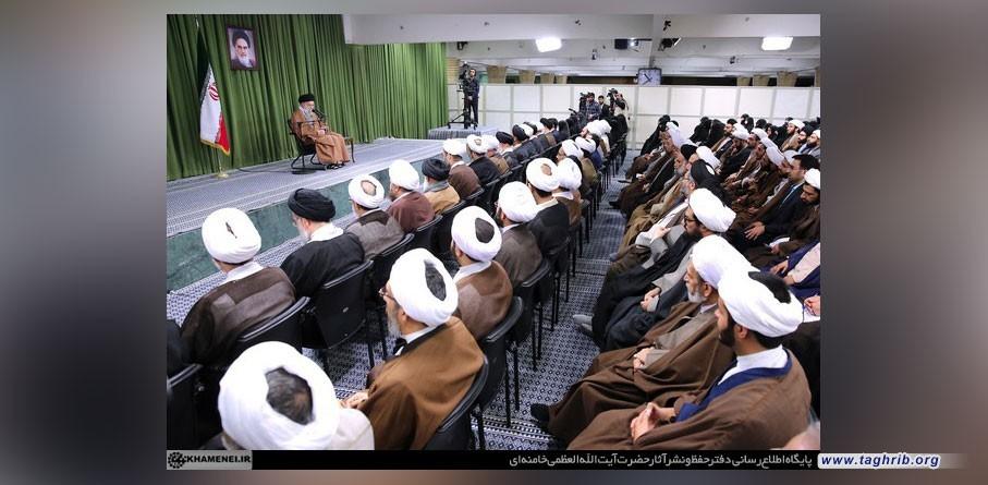 الامام الخامنئي : التوجه الیوم فی العالم الاسلامی نحو احیاء الاسلام ونمط الحیاة الاسلامیة + صور