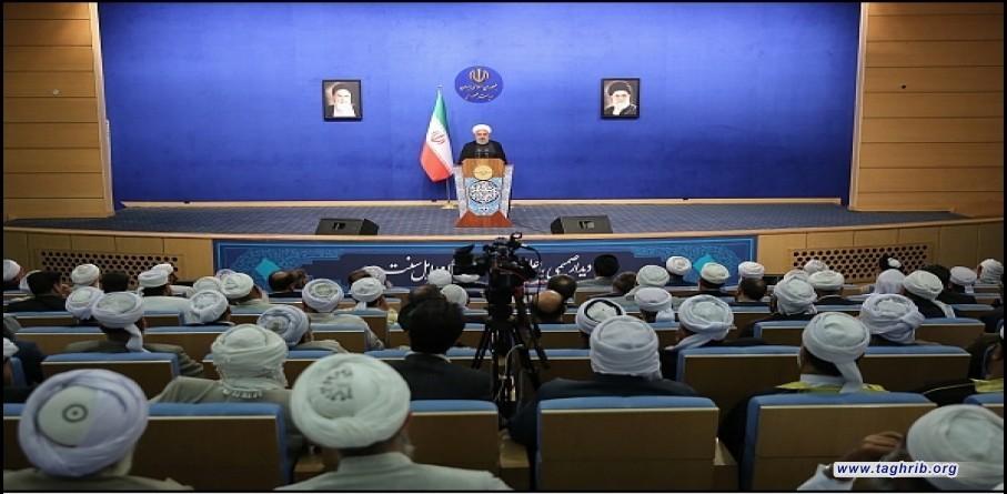 رئيس الجمهورية في لقاء ودي مع عدد من علماء أهل السنة و الجماعة في حفلة الافطار
