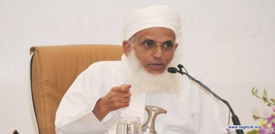 مفتي عمان يطالب المسلمين بسحب أموالهم من المؤسسات المسيئة للنبي (ص)