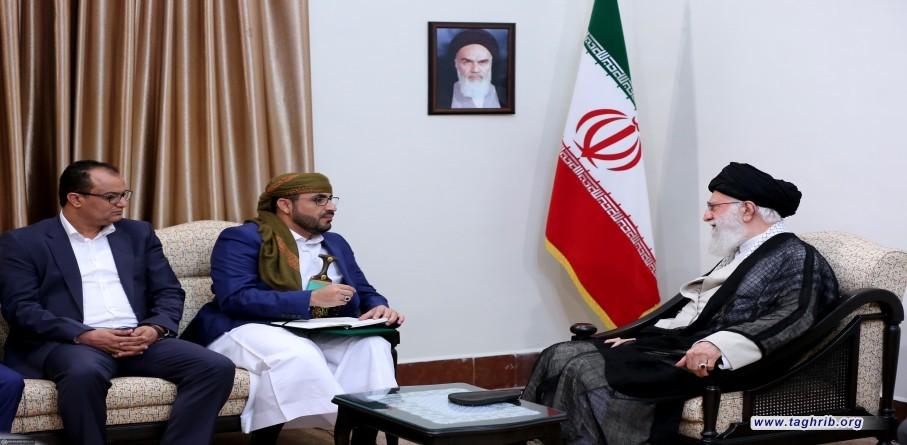 قائد الثورة الاسلامية الامام الخامنئي يستقبل المتحدث باسم حركة انصار الله والوفد المرافق له