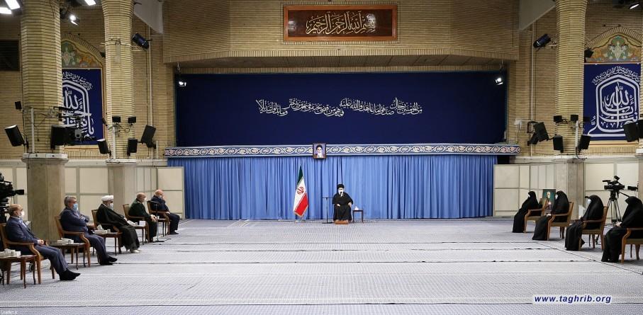 لقاء القائمين على مراسم ذكرى استشهاد قادة النّصر بالإمام الخامنئي